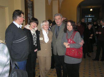 Delgacja nauczycieli XXIII Liceum Ogólnokształcącego w towarzystwie gospodarzy.