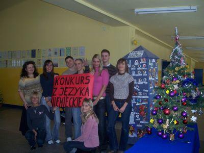 B. Miodyńska i A. Pęczek wraz z uczniami